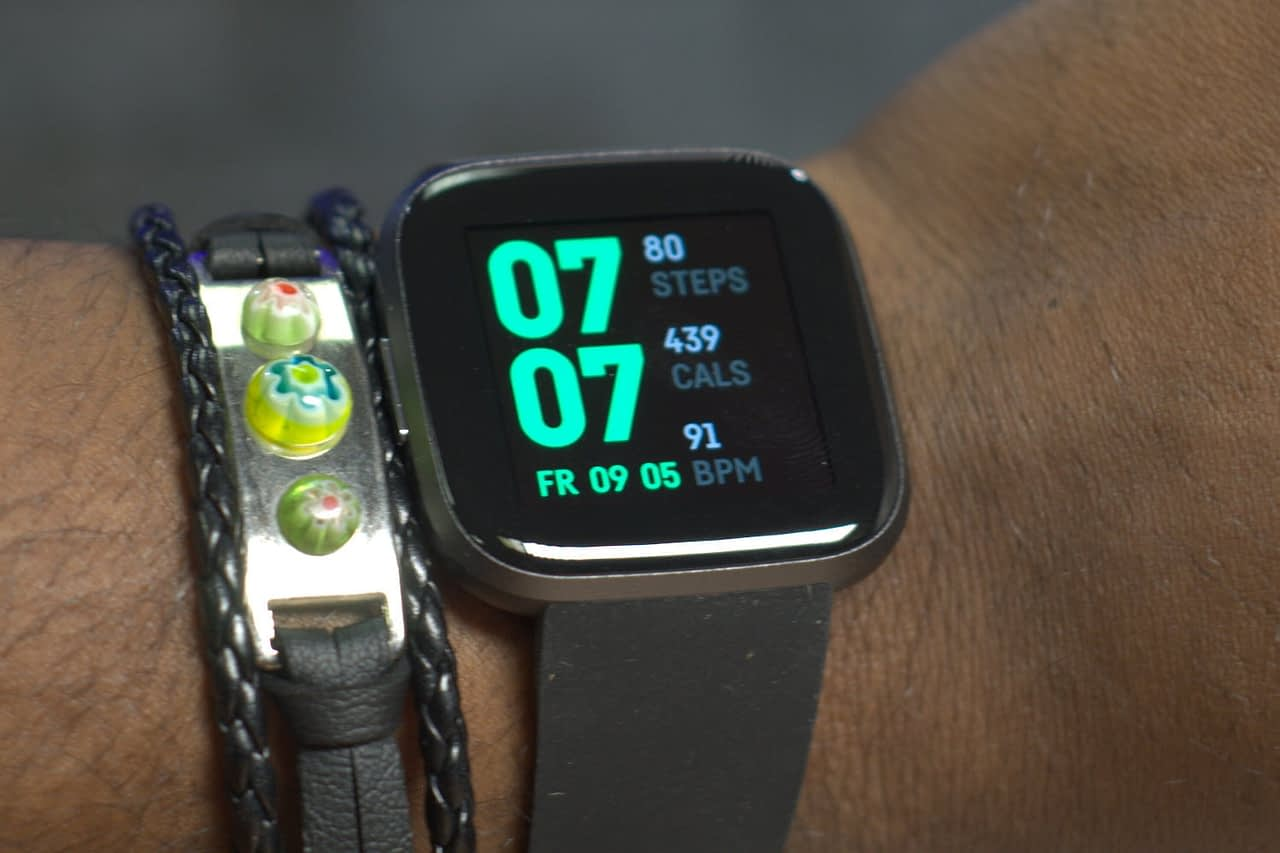 Samsung Galaxy Watch vs. Fitbit Versa 2